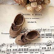Одежда для кукол ручной работы. Ярмарка Мастеров - ручная работа Крем-какао туфельки для куклы.. Handmade.