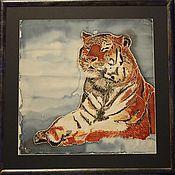 """Картины и панно ручной работы. Ярмарка Мастеров - ручная работа Картина  """"Сытая тигра"""" роспись по ткани в технике холодный батик. Handmade."""