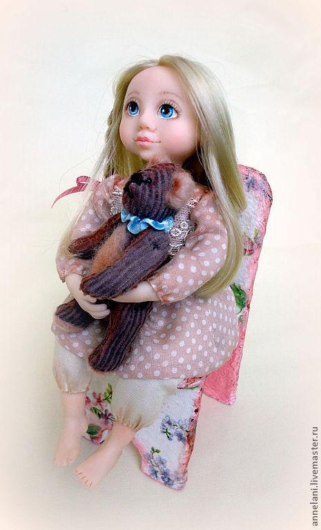 """Коллекционные куклы ручной работы. Ярмарка Мастеров - ручная работа. Купить """"Машенька и медведь"""". Handmade. Интерьерная кукла, синтепон"""