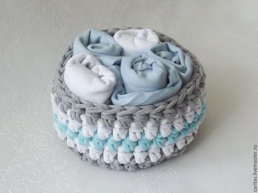 Для новорожденных, ручной работы. Ярмарка Мастеров - ручная работа. Купить Букет из одежды для новорожденного мальчика 0-3 мес. в вязаной корзине. Handmade.