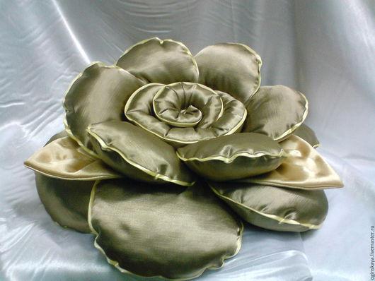 Подушка`роза` из портретной ткани, диаметр 50си.