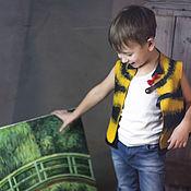 """Работы для детей, ручной работы. Ярмарка Мастеров - ручная работа Валяный жилет для мальчика """"Юный пчел"""". Handmade."""