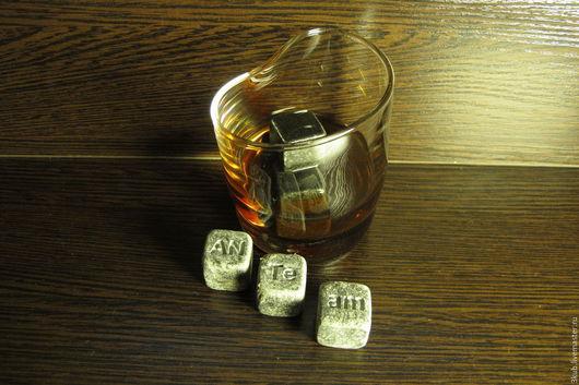 Камни для виски с гравировкой. Стоимость указана за одну штуку.