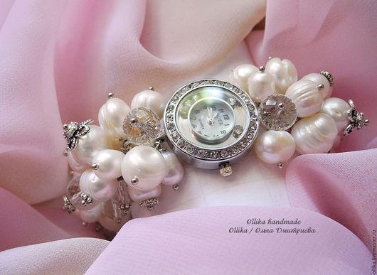 Часы женские на руку Жемчуг и Хрусталь, наручные часы, часы-браслет, жемчужное украшение на руку, браслет с жемчугом, ollika handmade, ollika Ольга Дмитриева