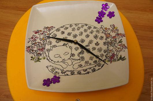 Часы для дома ручной работы. Ярмарка Мастеров - ручная работа. Купить Ромашковая кошка. Handmade. Комбинированный, Керамика, украшения