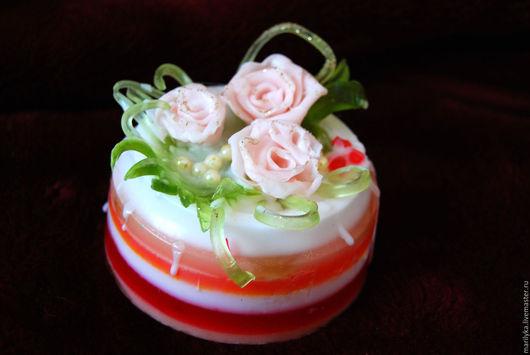 Чудесный и нежный мыльный тортик, отличный подарок для женщин, девушек, девочек.Для тех, кто ценит красоту и необычность.Этот тортик запомнится на долго!))