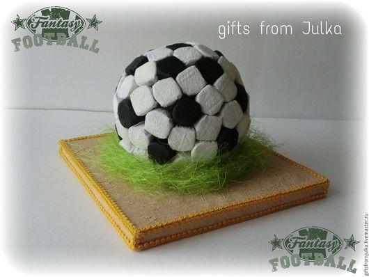 Букеты ручной работы. Ярмарка Мастеров - ручная работа. Купить Футбольный мяч из конфет ( композиции из конфет). Handmade.