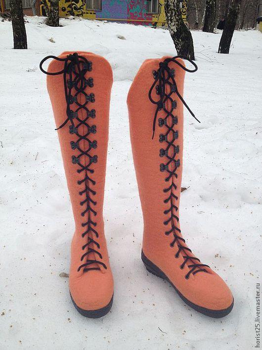 """Обувь ручной работы. Ярмарка Мастеров - ручная работа. Купить Валяные ботфорты """"Нежный персик"""". Handmade. Бежевый, оригинальный подарок"""
