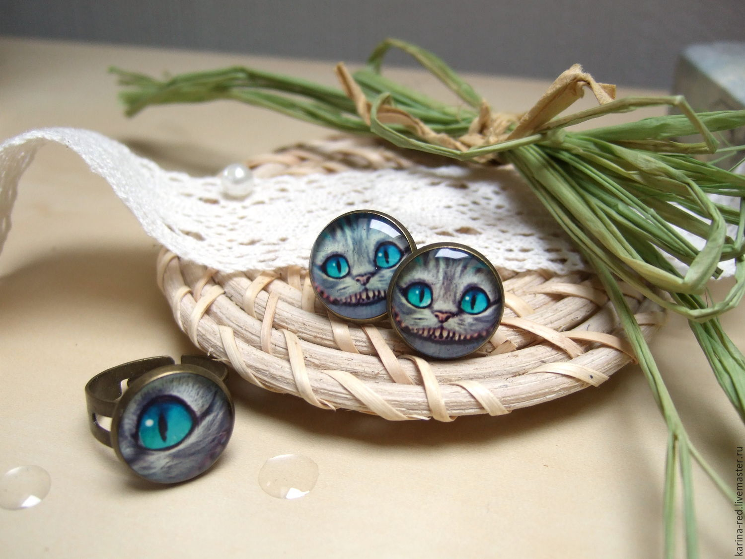 buy cute original earrings and ring in Cheshire from Alice in Wonderland smile cat teeth jewelry handmade jewelry epoxy Karina Boyko