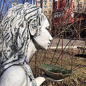 Для дома и интерьера ручной работы. Ярмарка Мастеров - ручная работа Садовая скульптура Фея с кормушкой для птиц. Handmade.