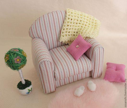 """Кукольный дом ручной работы. Ярмарка Мастеров - ручная работа. Купить Миниатюра Композиция """"Кресло уютное"""". Handmade. Кукольный дом"""