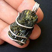 Фен-шуй и эзотерика handmade. Livemaster - original item Pendant: Epidote crystals in silver. Handmade.