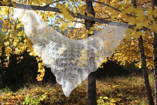 """Шали, палантины ручной работы. Ярмарка Мастеров - ручная работа. Купить Шаль для невесты """"Белоснежные листья"""". Handmade. Белый, свадьба"""