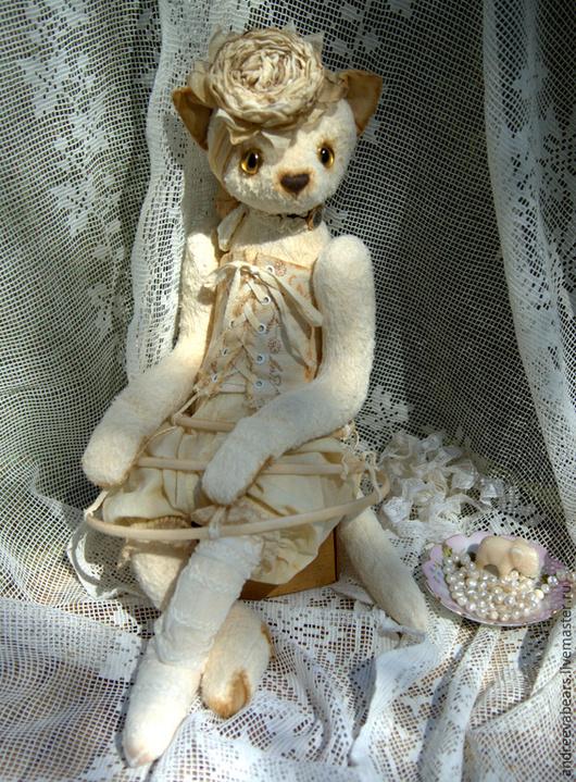"""Мишки Тедди ручной работы. Ярмарка Мастеров - ручная работа. Купить Кошка """"Изабелла"""" коллекция Hugglets. Handmade. Белый, винтаж"""