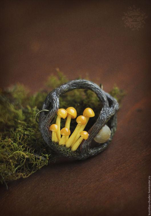 Кулоны, подвески ручной работы. Ярмарка Мастеров - ручная работа. Купить Кулон Honey mushrooms. Handmade. Кузница чудес, опята