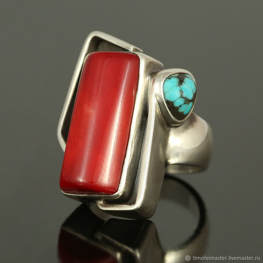 Кольцо с кораллом. Кольцо с красные кораллом. Кольцо с бирюзой. Кольцо коралл бирюза. Бохо кольцо. Красное кольцо. Кольцо серебро коралл. Авторское кольцо. Стильное кольцо. Модное кольцо.