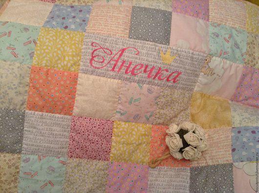 Пледы и одеяла ручной работы. Ярмарка Мастеров - ручная работа. Купить Детское именное одеяло. Handmade. Комбинированный, одеяло на выписку