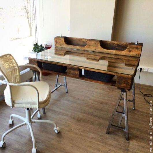 Офисный (рабочий) стол из паллет (из поддонов) от мастерской WoodMorning!