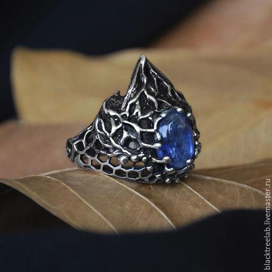 """Кольца ручной работы. Ярмарка Мастеров - ручная работа. Купить Серебряное кольцо с кианитом """"Лакшми Джи"""". Handmade. Кольцо из серебра"""