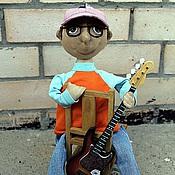 Куклы и игрушки ручной работы. Ярмарка Мастеров - ручная работа Бас- гитарист. Handmade.