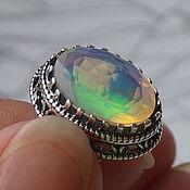 """Посеребренное кольцо-перстень с эфиопским опалом """"Северное сияние"""""""