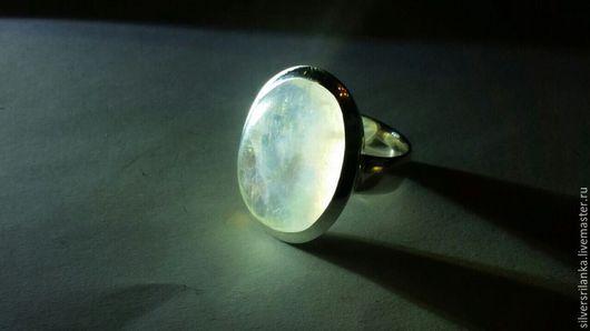Кольца ручной работы. Ярмарка Мастеров - ручная работа. Купить Кольцо большое с натуральным лунным камнем. Handmade. Кольцо, белый