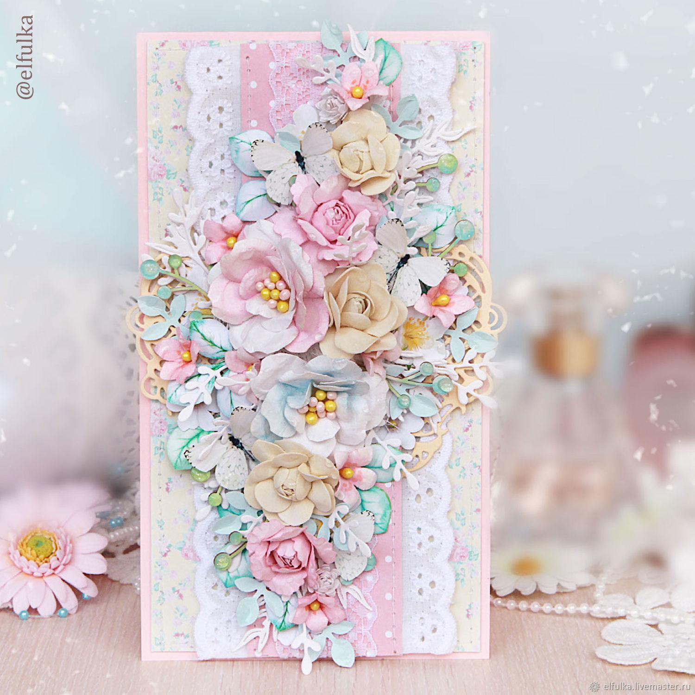 Скрапбукинг открытка с фоном из цветов