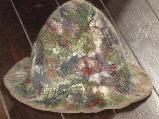 Красивая валяная шапка из нежнейшего итальянского мериноса 18микрон. Плотная, хорошо сваляна.