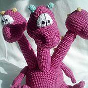 Куклы и игрушки ручной работы. Ярмарка Мастеров - ручная работа Вязаный трехглавый дракончик. Handmade.