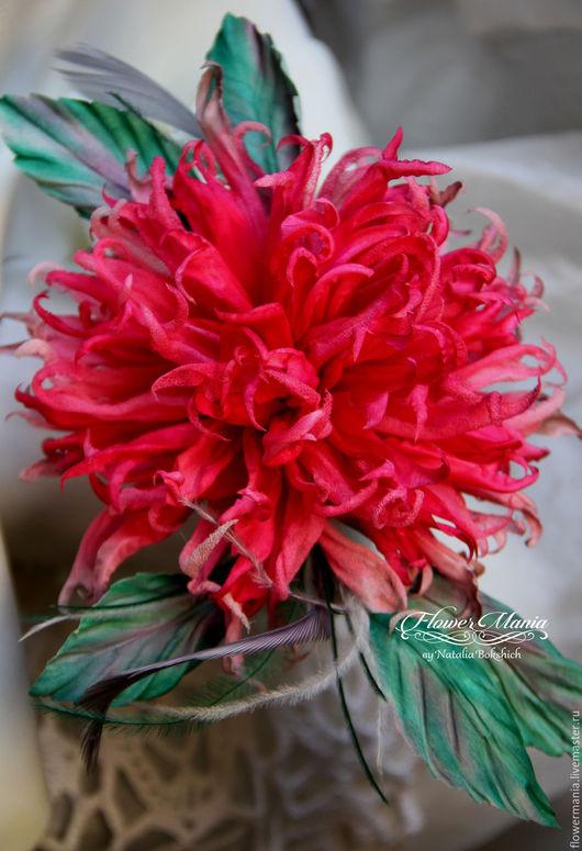 """Броши ручной работы. Ярмарка Мастеров - ручная работа. Купить """"RASPBERRIES FOR THE QUEEN"""". Handmade. Малиновый, брошь цветок"""