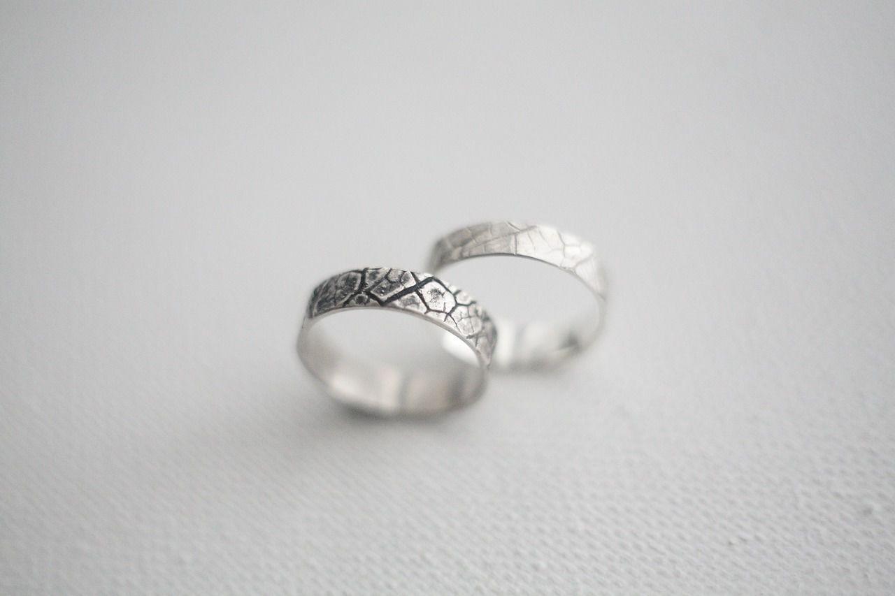 Парные серебряные обручальные кольца