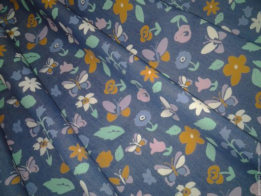"""Шитье ручной работы. Ярмарка Мастеров - ручная работа. Купить Ткань джинсовая """"Цветочки и бабочки"""". Handmade. Комбинированный, голубая джинса"""