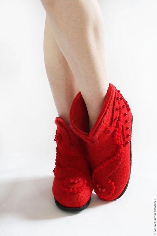 """Обувь ручной работы. Ярмарка Мастеров - ручная работа. Купить Короткие валенки """"Ладушка"""". Handmade. Ярко-красный, обувь зимняя"""