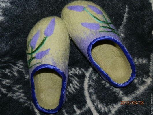 """Обувь ручной работы. Ярмарка Мастеров - ручная работа. Купить Тапочки валяные . """"Лавандовое утро"""". Handmade. Салатовый, тапочки домашние"""