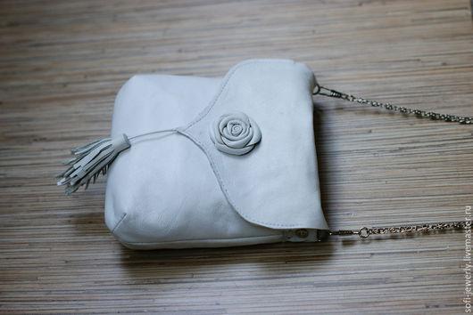 Женские сумки ручной работы. Ярмарка Мастеров - ручная работа. Купить Белая сумочка с розочкой. Handmade. Белый, Кожаная сумка