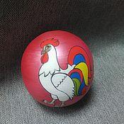 Подарки к праздникам ручной работы. Ярмарка Мастеров - ручная работа Новогодняя игрушка шар - стекло и дерево. Handmade.