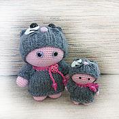 Куклы и игрушки ручной работы. Ярмарка Мастеров - ручная работа Пупсы крючком (комплект) в котошапках. Handmade.