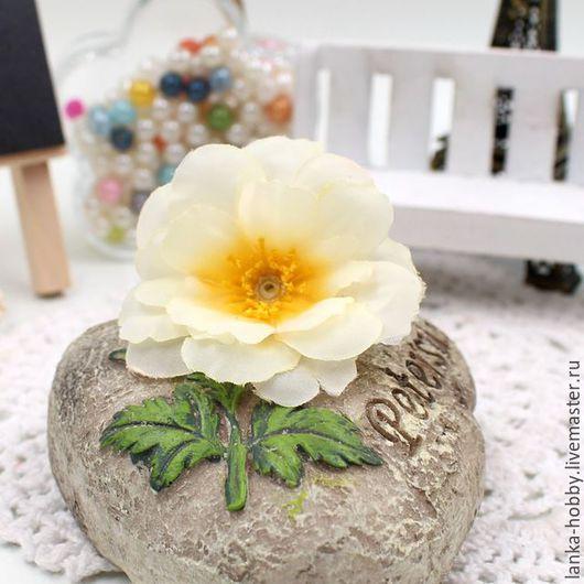 Цветы шиповника_шёлк_5,5 см_молочный