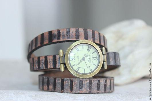 """Часы ручной работы. Ярмарка Мастеров - ручная работа. Купить Часы на длинном кожаном ремешке """" Коррозия"""". Handmade. Разноцветный"""