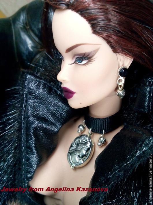 Комплект украшений для кукол `КАМЕЯ` Автор Ангелина КАЗАНОВА