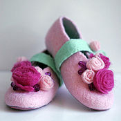 """Обувь ручной работы. Ярмарка Мастеров - ручная работа Тапочки детские""""Розочки"""". Handmade."""