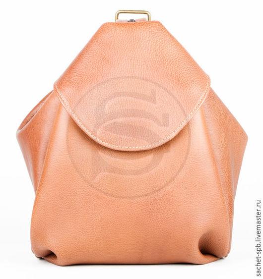 Рюкзаки ручной работы. Ярмарка Мастеров - ручная работа. Купить Кожаная сумка-рюкзак Микки коричневая. Handmade. Коричневый
