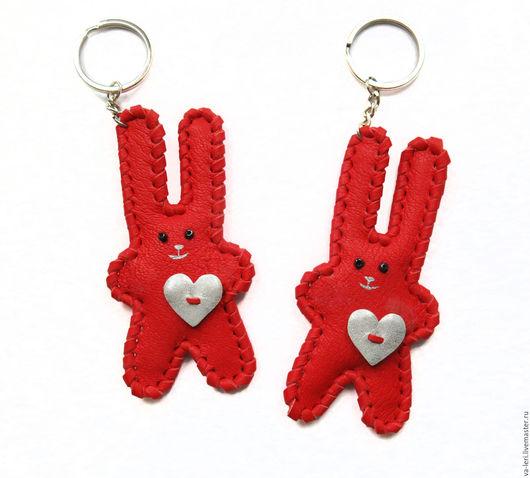 """Брелоки ручной работы. Ярмарка Мастеров - ручная работа. Купить Брелки для пары """"Влюбленные зайцы"""". Handmade. Ярко-красный, заяц"""