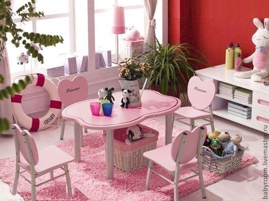столик детский розовый в спальню, в детскую комнату, детская мебель для девочки розовая