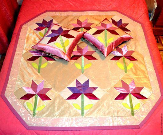 """Текстиль, ковры ручной работы. Ярмарка Мастеров - ручная работа. Купить Лоскутное покрывало и 2 наволочки """"Хризантема""""(пэчворк). Handmade. фисташковый"""