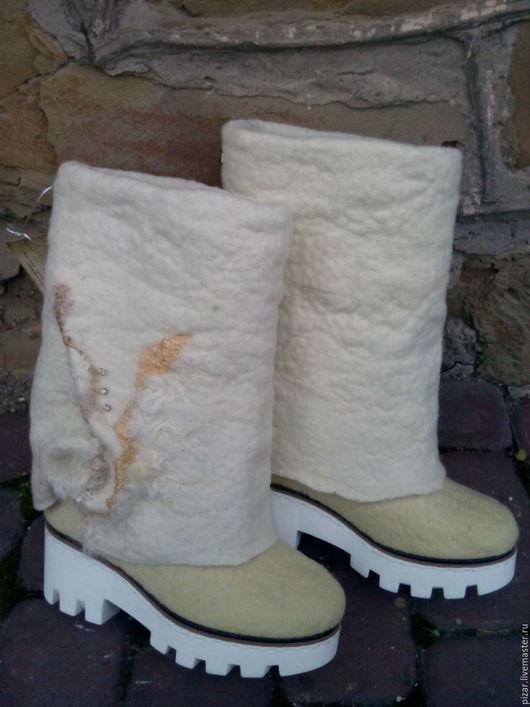 Обувь ручной работы. Ярмарка Мастеров - ручная работа. Купить Валенки - сапожки Снежные. Handmade. Белый, сапоги ручной работы