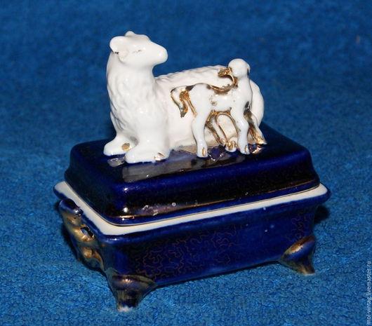 Винтажные предметы интерьера. Ярмарка Мастеров - ручная работа. Купить шкатулка овечки дз дулево 55г. антиквариат кобальт в золоте. Handmade.