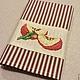 """Кухня ручной работы. Ярмарка Мастеров - ручная работа. Купить Салфетка с вышивкой """"Вкус спелых яблок -1"""". Handmade. Бордовый"""