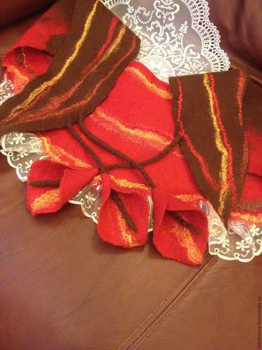 Шарфы и шарфики ручной работы. Ярмарка Мастеров - ручная работа. Купить Валяный бактус ЗОЛОТО СКИФОВ, шерстяной шарфик с каллами. Handmade.