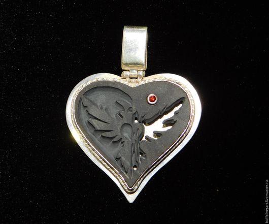 """Кулоны, подвески ручной работы. Ярмарка Мастеров - ручная работа. Купить Талисман """"Ворон с плачущим сердцем""""(Raven with a crying heart).. Handmade."""
